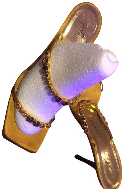Item - Gold with Yellow and Gold Stones Formal Shoes Size US 9.5 Regular (M, B)