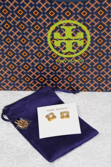 Tory Burch NEW TORY BURCH FLORAL GOLD LOGO PEARL STUD EARRINGS DUST BAG NWT Image 4