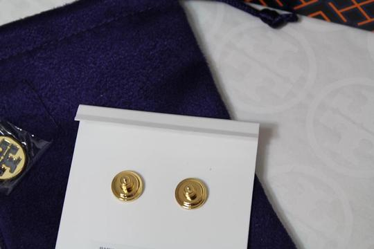 Tory Burch NEW TORY BURCH FLORAL GOLD LOGO PEARL STUD EARRINGS DUST BAG NWT Image 6
