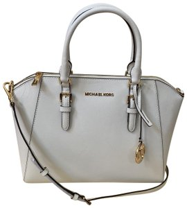 ee39db74939b Michael Kors Bags on Sale - Up to 70% off at Tradesy