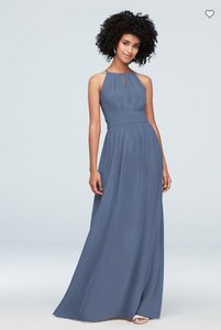 David's Bridal Steel Blue Chiffon High-neck with Keyhole Traditional Bridesmaid/Mob Dress Size 10 (M)