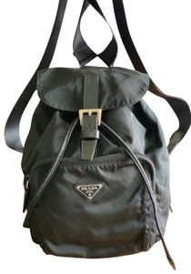 c74d25d72a Prada Bags on Sale - Up to 70% off at Tradesy