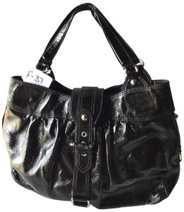 d10dcc81ee9 Moschino Bags - 70% - 90% off at Tradesy