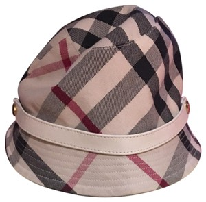f5adee8f Burberry Hats & Caps - Up to 70% off at Tradesy