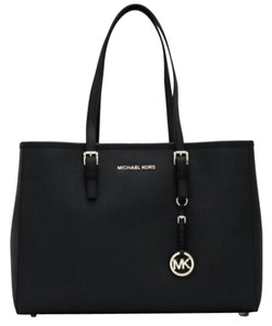 b7c9a09d40 Michael Kors on Sale - Up to 80% off at Tradesy