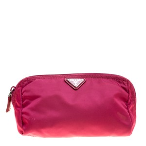 dc4cf64bf7337d Prada Clutches on Sale - Up to 70% off at Tradesy