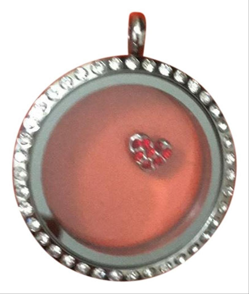 Origami Owl - Love is in the air! Capture what is in your heart ... | 960x813