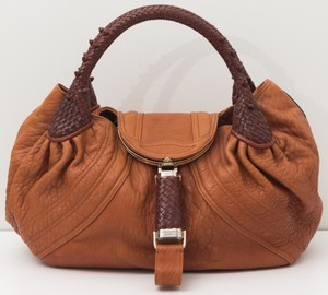 a3ce3bbb30 Fendi Bags on Sale - Up to 70% off at Tradesy (Page 4)