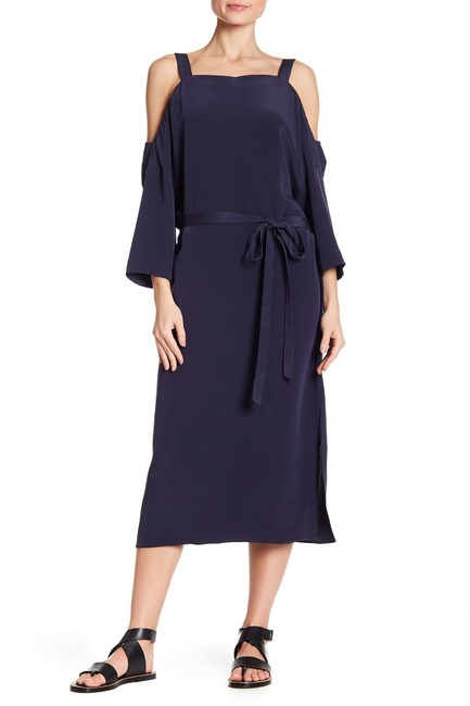Item - Midnight Blue Cold Shoulder Silk Mid-length Night Out Dress Size 6 (S)