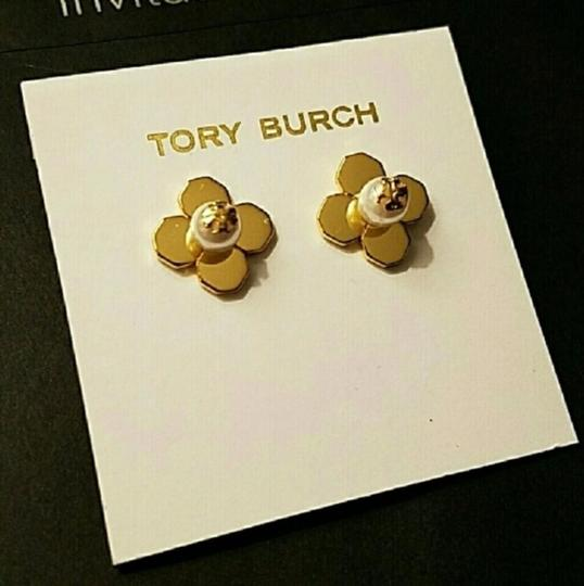 Tory Burch Tory Burch GOLD BABYLON PEARL FLORAL FLOWER STUD EARRINGS Image 1