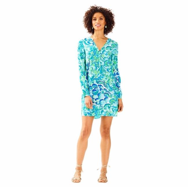 Preload https://img-static.tradesy.com/item/25482602/lilly-pulitzer-blue-and-green-delphine-silk-tunic-short-casual-dress-size-8-m-0-0-650-650.jpg