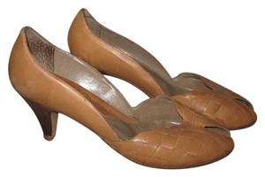Other Vintage Tan Pumps