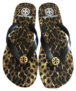 d9434babc1 Tory Burch Flip Flops - Up to 70% off at Tradesy
