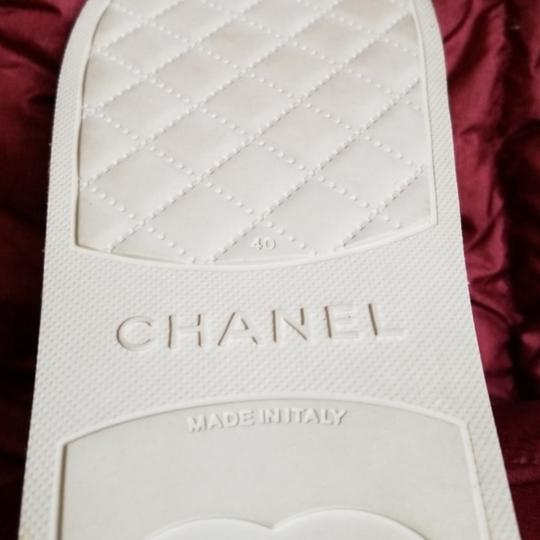 Chanel pool slippers Size white / yellow / tan Sandals Image 6