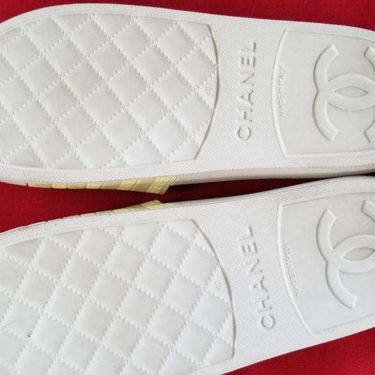 Chanel pool slippers Size white / yellow / tan Sandals Image 7