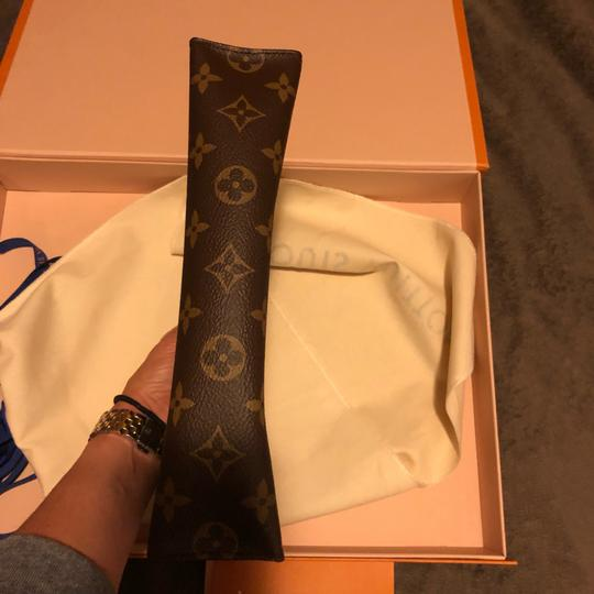 Louis Vuitton Night Out Travel Unsiex Cosmetic brown Clutch Image 10
