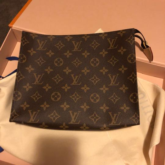 Louis Vuitton Night Out Travel Unsiex Cosmetic brown Clutch Image 7