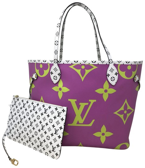 Preload https://img-static.tradesy.com/item/25489160/louis-vuitton-neverfull-monogram-giant-mm-tote-0-2-540-540.jpg