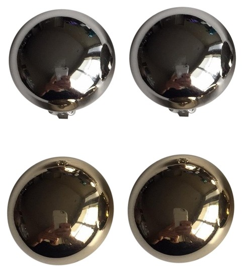 Preload https://img-static.tradesy.com/item/25489314/silver-and-gold-2-pairs-dome-clipon-earrings-0-1-540-540.jpg