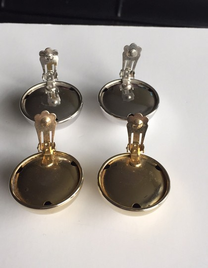 vintage 2 pairs dome clipon earrings Image 2