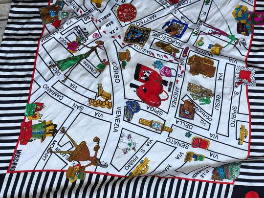 Moschino This is a 1990s vintage scarf from Moschino featuring a map of Milan Image 11