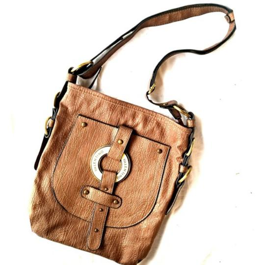 Preload https://item4.tradesy.com/images/valentina-chic-serendipity-brown-faux-leather-shoulder-bag-25489418-0-1.jpg?width=440&height=440