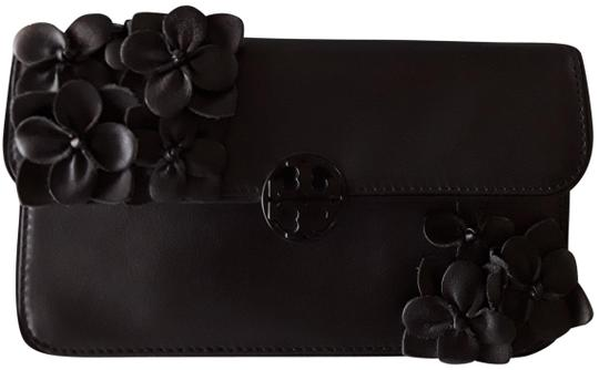 Preload https://img-static.tradesy.com/item/25489455/tory-burch-blossom-flower-black-leather-clutch-0-1-540-540.jpg