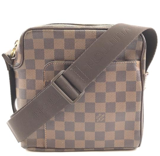 Preload https://img-static.tradesy.com/item/25490499/louis-vuitton-messenger-olav-30156-pm-square-shoulder-with-adjustable-strap-damier-ebene-coated-canv-0-1-540-540.jpg