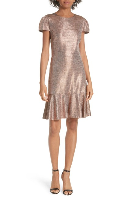 Item - Gold Imani Ruffle Hem Metallic Textured Mid-length Night Out Dress Size 10 (M)
