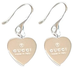 720114289 Gucci Brand new Gucci trademark heart drop earrings, sterling silver.