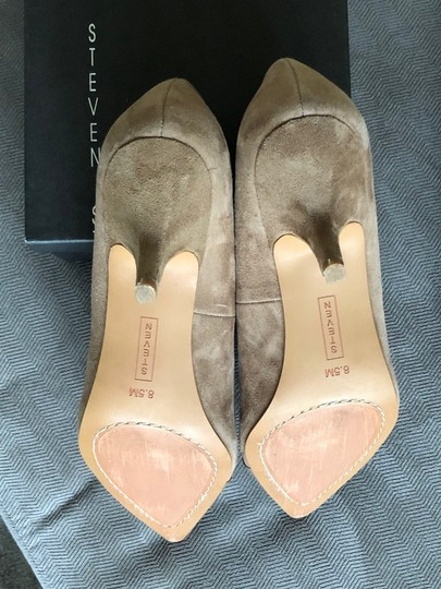 Steven by Steve Madden Taupe Pumps Image 4