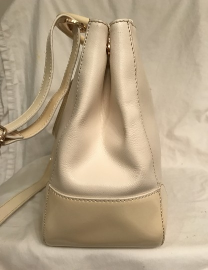 Tory Burch Purse Handbag Tote Shoulder Cross Body Satchel in White beige Image 2