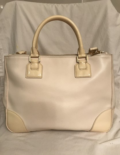 Tory Burch Purse Handbag Tote Shoulder Cross Body Satchel in White beige Image 3