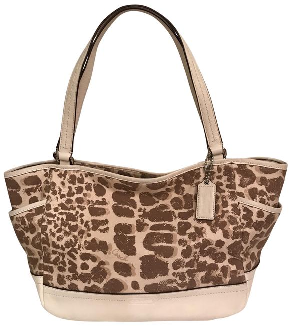 Item - Carrie Park Giraffe Print F27353 Leather Brown Beige White Multi Canvas Tote