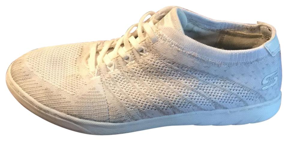Skechers White Lite weight Air cooled Memory Foam Sneakers Size US 9 Regular (M, B)