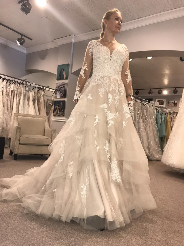 d1afe3f15c22 New & Preowned Wedding Dresses - Up to 90% off at Tradesy