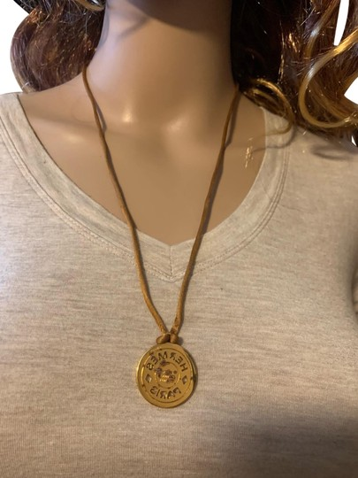 Preload https://img-static.tradesy.com/item/25494444/hermes-gold-brown-serie-necklace-0-1-540-540.jpg