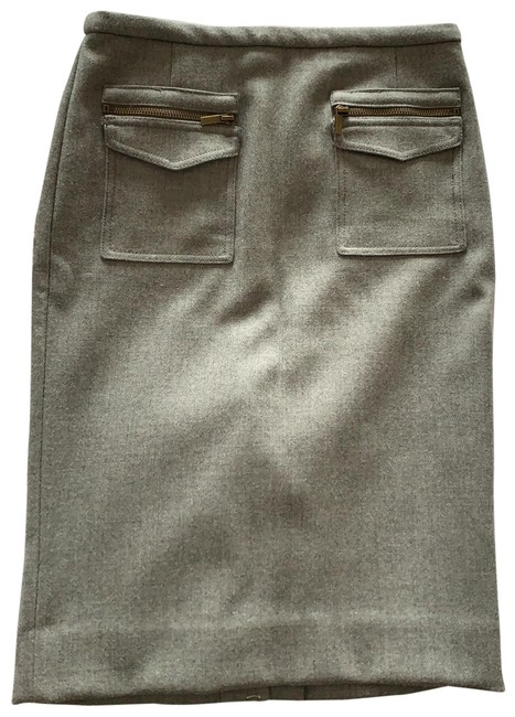 Preload https://img-static.tradesy.com/item/25495318/jcrew-grey-03013-skirt-size-00-xxs-24-0-1-650-650.jpg