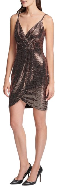 Preload https://img-static.tradesy.com/item/25495323/guess-copper-metallic-short-cocktail-dress-size-4-s-0-1-650-650.jpg