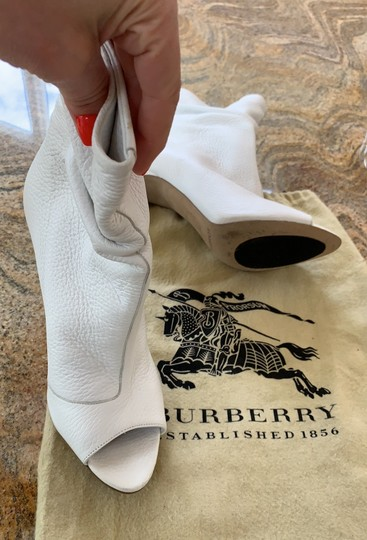 Burberry white leather Boots Image 2