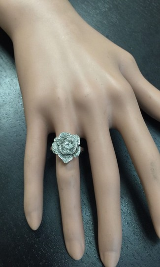 Other Beautiful 14K Solid White Gold Flower Ring Image 5