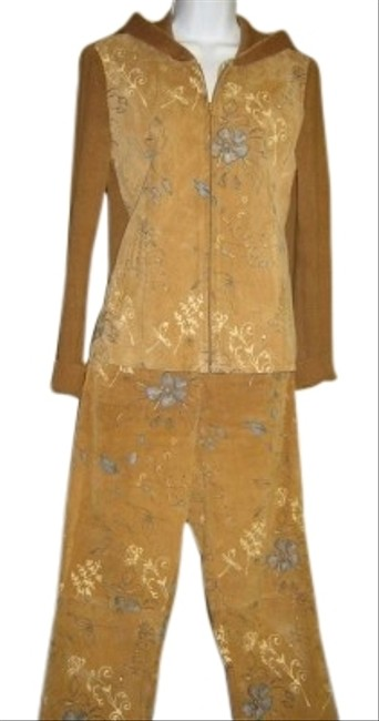 Preload https://item2.tradesy.com/images/cali-cali-camel-gold-tone-two-piece-suede-with-hand-painted-accent-pant-suit-size-4-s-25496-0-1.jpg?width=400&height=650