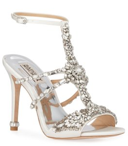 Badgley Mischka White Hughes Crystal Embellished Sandals Size US 8.5 Regular (M, B)