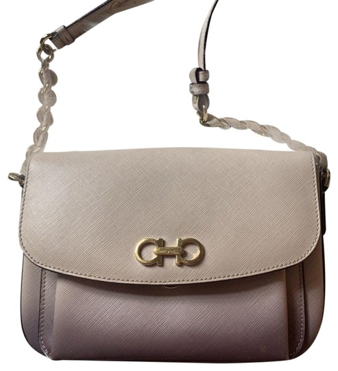 Preload https://img-static.tradesy.com/item/25496945/salvatore-ferragamo-light-pink-leather-cross-body-bag-0-1-540-540.jpg