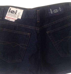 L.E.I. Lei Denim Short Rince Mini/Short Shorts Dark wash denim.
