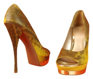 Versace brown yellow lizard Pumps