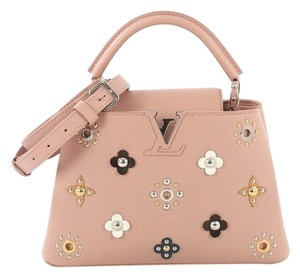 Louis Vuitton Capucines Leather Leather Satchel in Pink