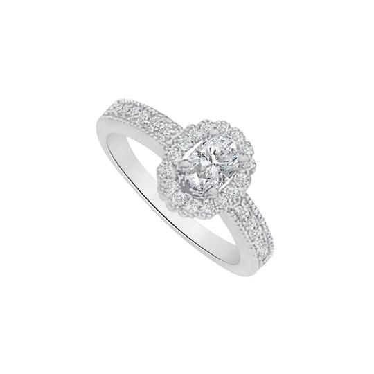 Preload https://img-static.tradesy.com/item/25499792/white-cubic-zirconia-halo-engagement-in-14k-gold-ring-0-0-540-540.jpg