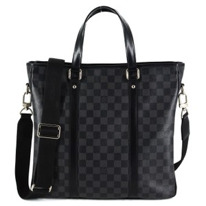 Louis Vuitton Damier Canvas Leather Mens Classic Messenger Bag