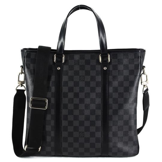 Preload https://img-static.tradesy.com/item/25499998/louis-vuitton-tadao-pm-damier-graphite-messenger-bag-0-0-540-540.jpg